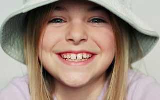 Во сколько лет выпадают молочные зубы